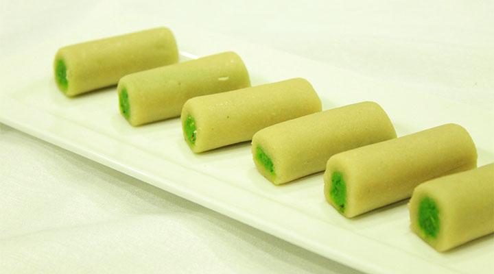Kaju Pista Rolls